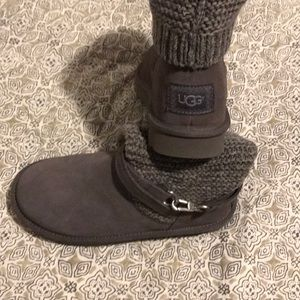 UGG Purl  Strap Knit Boots size 7